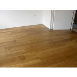 Restpartij houten vloer 80m2 Eiken Rustiek A/B 24cm, 4mm top